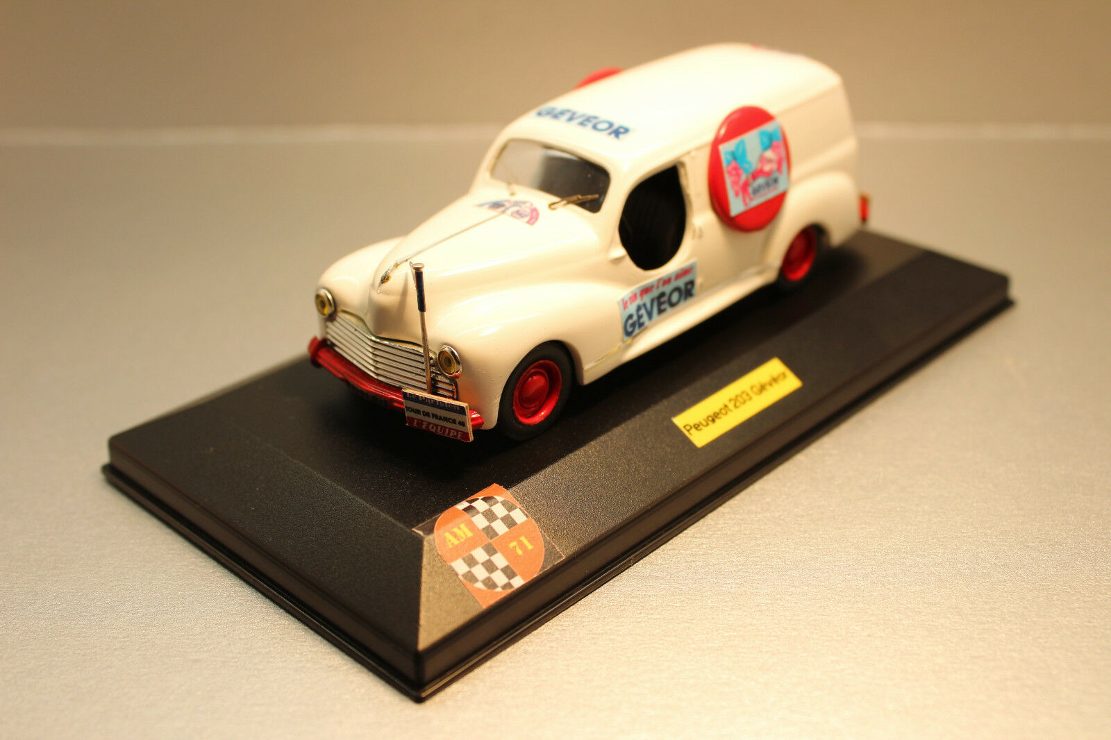 AM 71.CREATIONS  PEUGEOT 203 BREAK GEVEOR 1 43.
