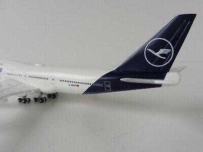 Herpa 529679-1:500 retro Colors-nuevo embalaje original malasia airlines boeing 747-400