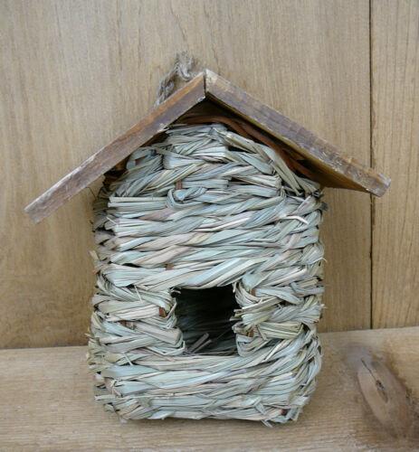 Hanging Reed Grass Roosting Pocket w// Cedar Roof Organic Winter Refuge SE935