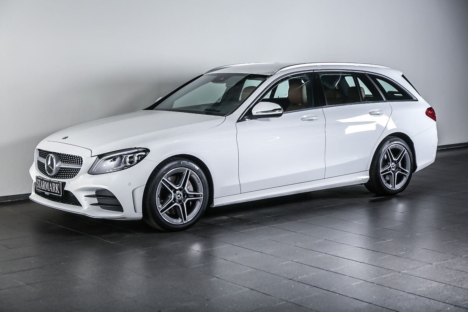 Mercedes-Benz C300 2,0 AMG Line stc. aut.