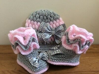 Hand knitted Romany Bling baby girls bootees shoes Crochet hat 0-3  months