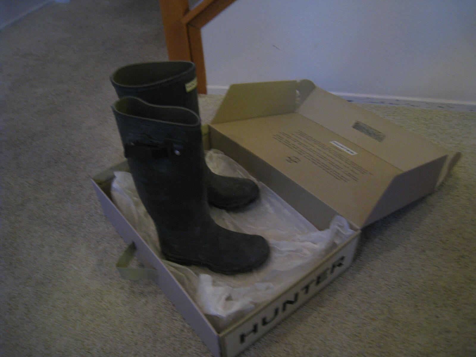 Hunter Women Tall Rain Boots Dark Olive Green Field Huntress Size 5 with Box