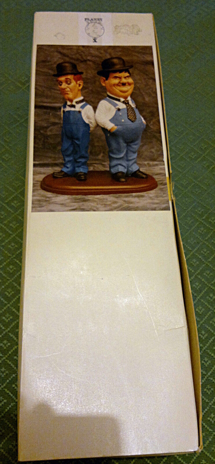 Stan Laurel and and and Oliver Hardy resin figures 04ae65