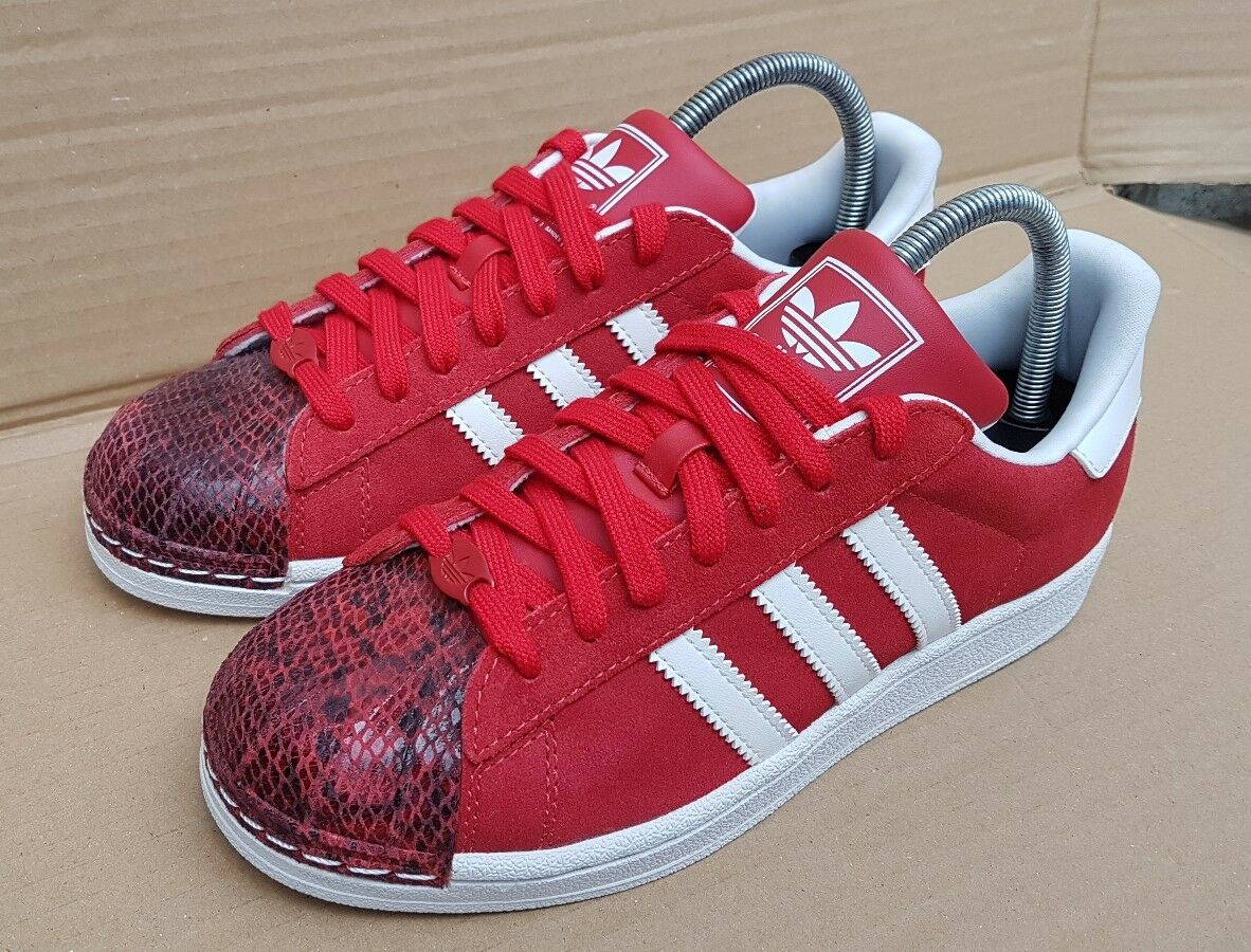 ADIDAS SUPERSTAR WEISS AND ROT SNAKE SHELL TOE TRAINERS SIZE 5 UK RARE