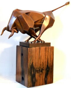 Bronze-Figure-kubististischer-Bull-in-Bronze-on-Rustic-Wooden-Base-Signed