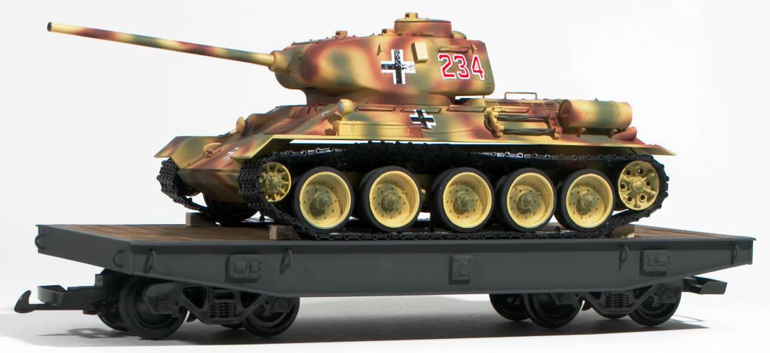 Escala G alemán de la segunda guerra mundial T34 ruso capturado tanque, cargado en coche plana