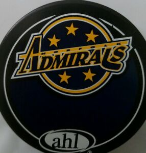 NORFOLK-ADMIRALS-VINTAGE-AHL-OFFICIAL-VEGUM-MFG-HOCKEY-PUCK-MADE-IN-SLOVAKIA