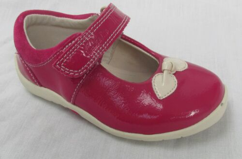 BNIB Clarks Girls Softly Bow Berry Patent Leather First Shoes E//F//G//H Fitting