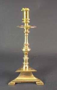 schoener-antiker-Messingleuchter-1750