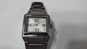 c7973f64b86 Caricamento dell immagine in corso Breil-Milano-orologio -quartz-batteria-quadrato-acciaio-braccialato