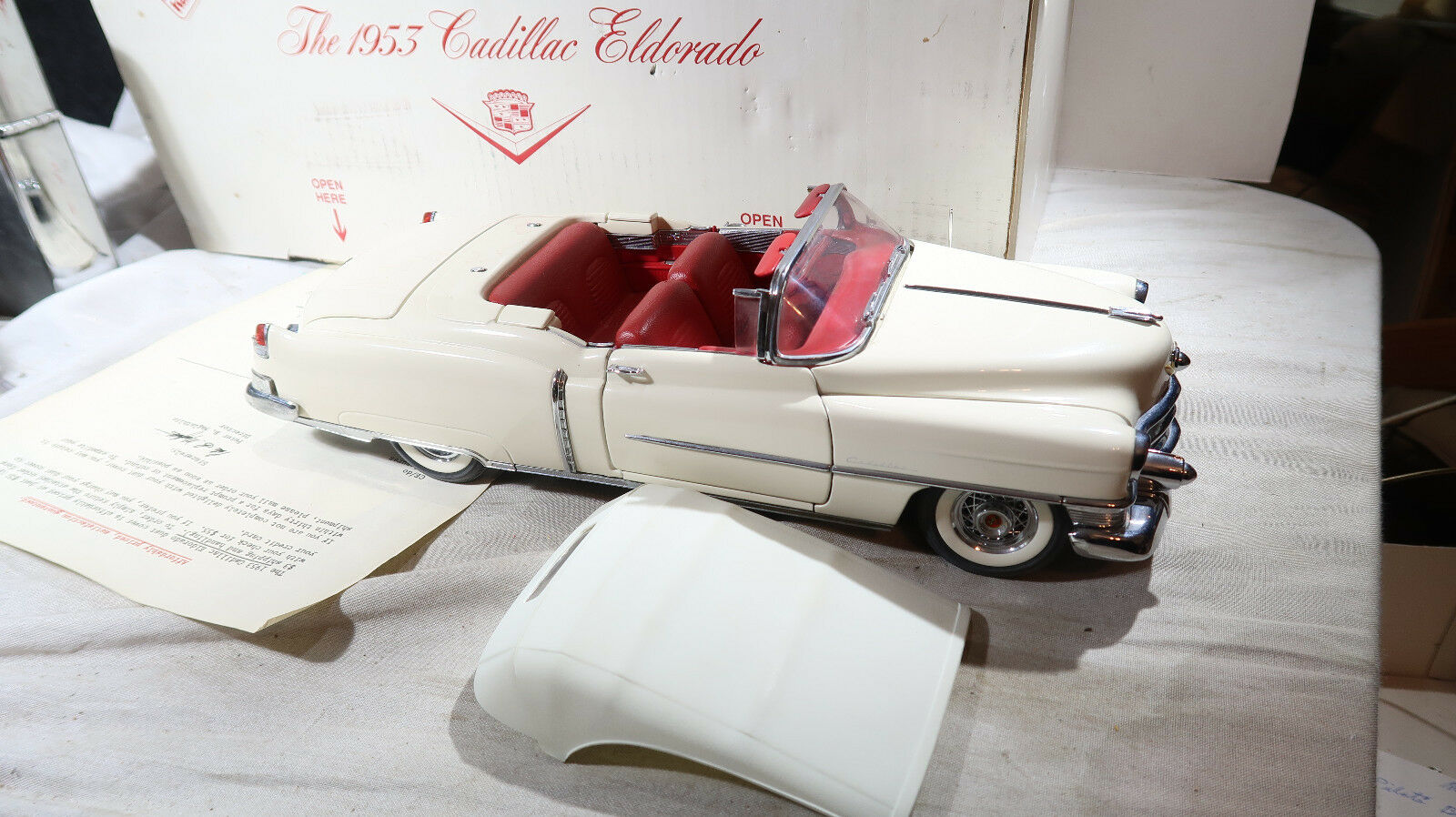 Danbury Mint 1953 Cadillac Eldorado 1 16 En Caja