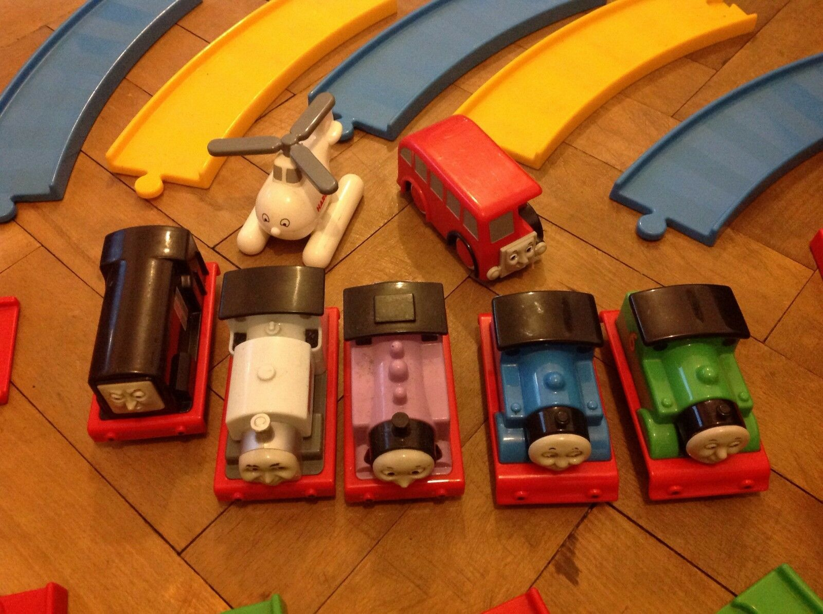 My First Thomas Train Set With With With 5 Famous Train Engines Harold and Bertie Bus. 053720