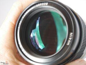 Nikon-Nikkor-Q-C-Auto-1-2-8-f-135mm-Tele-Objektiv-eher-neuwertig