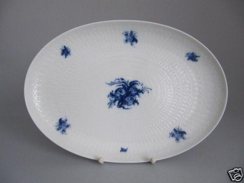 Rosanthal Romanze in Blau Platte   Vorlegeplatte 33cm       Moderne und elegante Mode