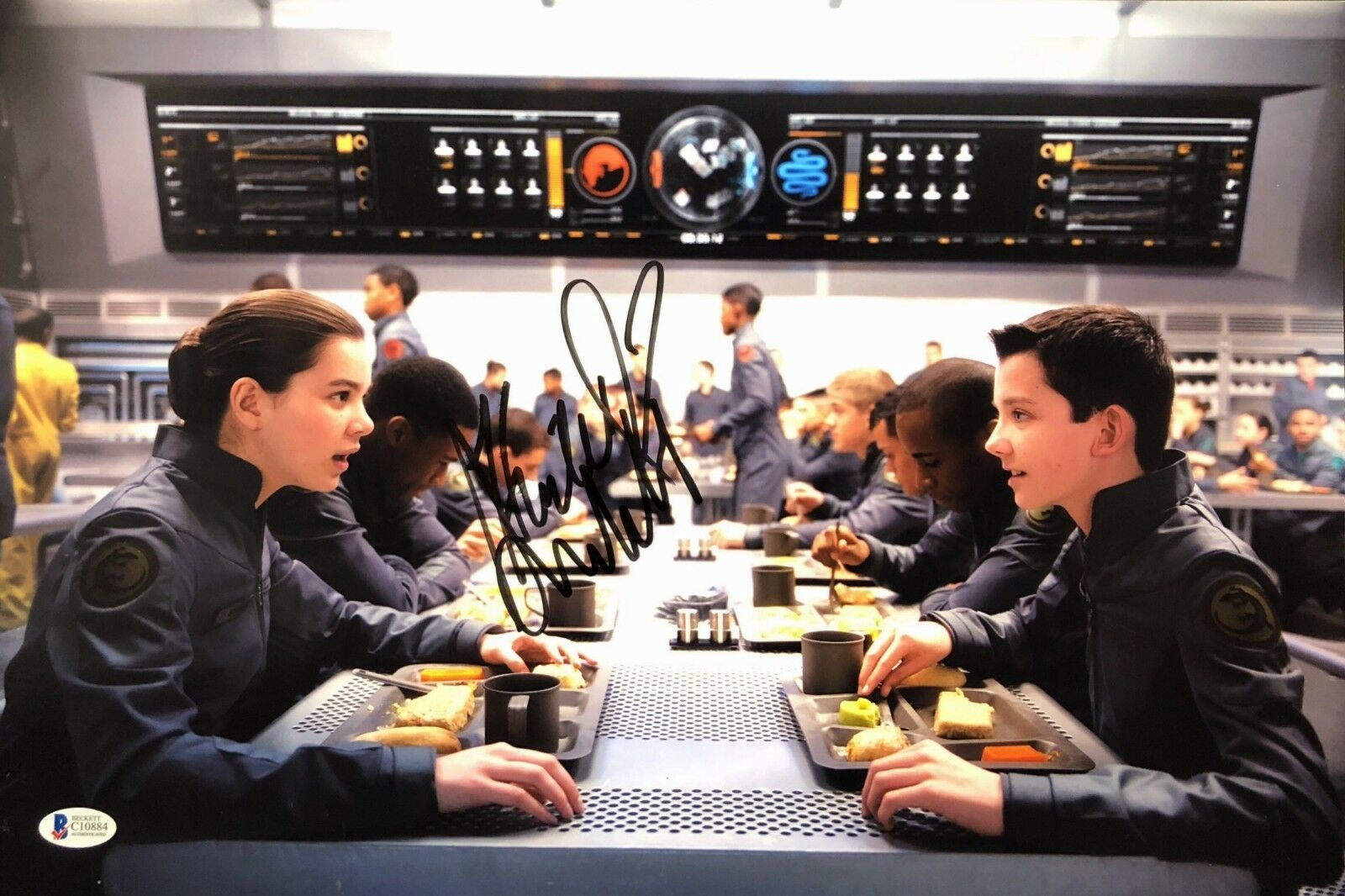 Hailee Steinfeld Signed 'Ender's game' 12x18 Photo Beckett BAS C10884