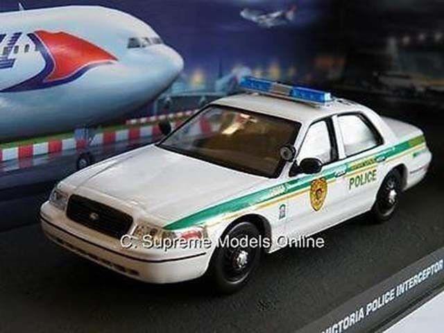 FORD CROWN VICTORIA MODEL POLICE CAR JAMES BOND CASINO ROYALE 1 43 SCALE K8