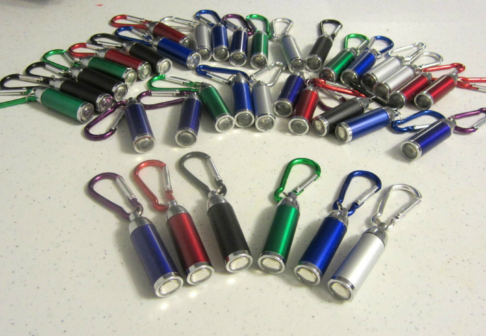 100 NEW CARABINER LED FLASHLIGHT KEYCHAINS WITH ZOOMABLE LIGHT KEY CHAIN RING