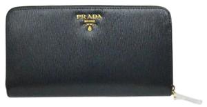 Prada  700 Portafoglio Lampo Wallet in Black- Brand New- Authentic ... 9412fed154