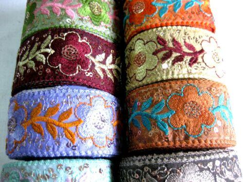 Borte mit aufgestickten Muster u.Pailletten in verschieden Farben,40mm,lfm,B382