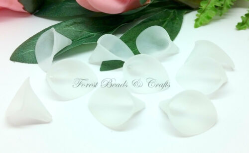 Calla Lily Beads ~ Acrylic 25 x Frosted White Arum 25mm x 19mm x 15mm Bell