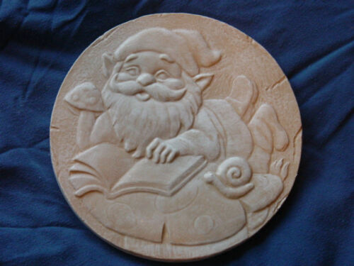 Gnome Reading Stepping Stone Plaster or Concrete Mold 1149 Moldcreations