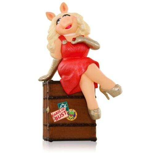 2015 Hallmark MUPPETS Magic Ornament IT IS MOI MISS PIGGY Disney