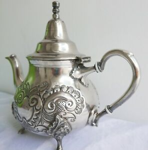 Theiere-marocaine-vintage-en-metal-argente-Ets-ET-TAJ-Annees-1950