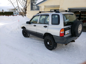 2000 CHEVY TRACKER 162000 KMS