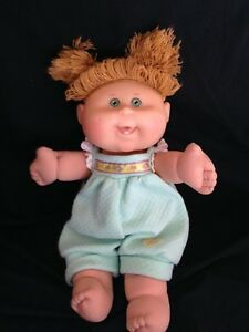 CABBAGE-PATCH-KIDS-DOLL-2004-TEETH-BLONDE-HAIR-GREEN-EYES-PLAY-ALONG