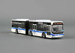 DARON REALTOY RT8452 MTA New York City Articulated Bus 1/87 scale. New