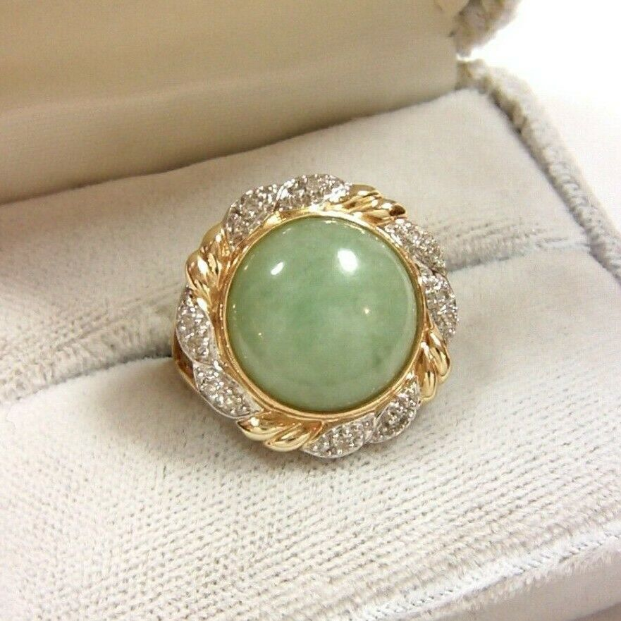 Estate Green Jade Round Cabochon & Diamond Ring in 14K Yellow gold - Size 6.5