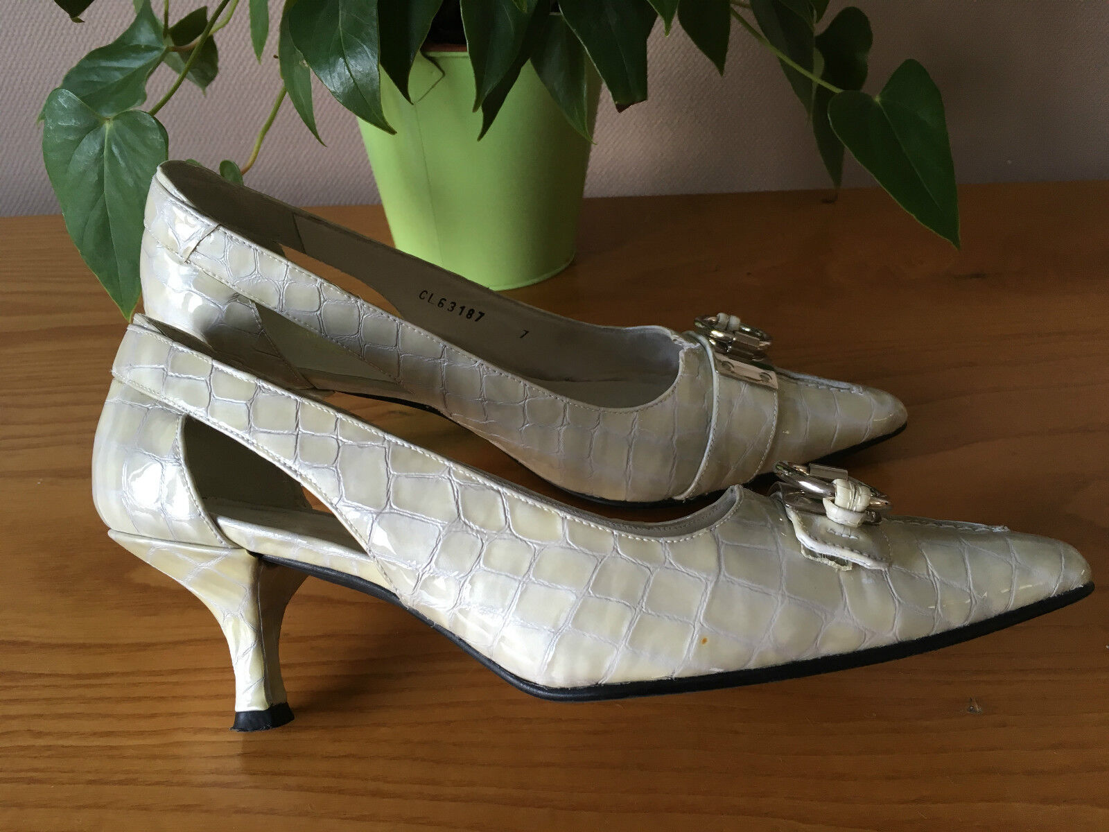 Stuart Weitzman Russell & Bromley pearl leather EU court shoes UK 5.5 EU leather 38 Bridal 3ef08f