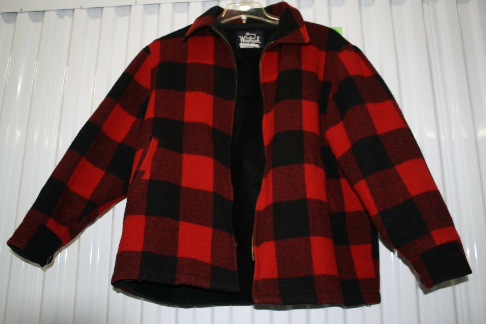 Vintage Woolrich 16010 Coat. Made in USA. SIZE XL