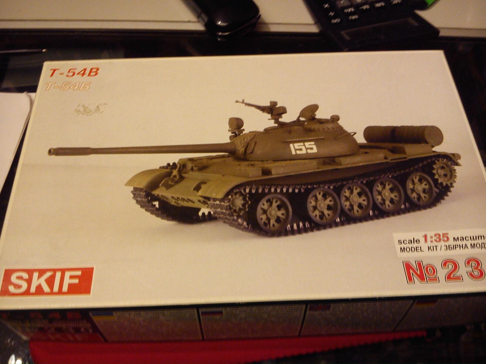 SKIF 1 35 T-54B MEDIUM TANK