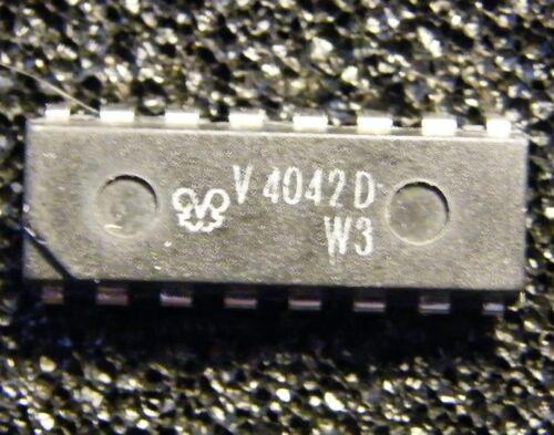 5x V4042D 4-bit D-Flipflop mit Komplementärausgängen FWE