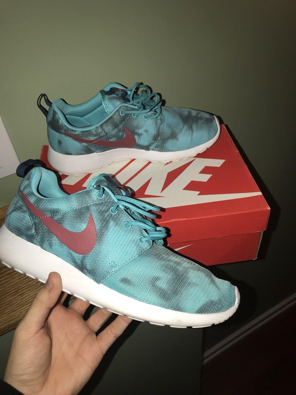 Nike Roshe Hyperjade Size 9.5