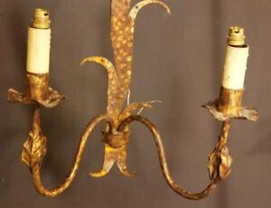 Beautiful-Pair-of-Gilt-Wall-Sconces-French-Style