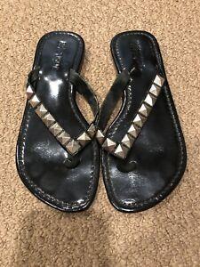 Mystique Black Patent Leather Flip Flop