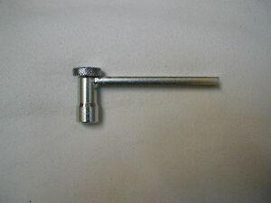 KTM-EXC-520-Raicing-Ventil-Einstell-Werkzeug-mit-Konterhebel-Mod-01