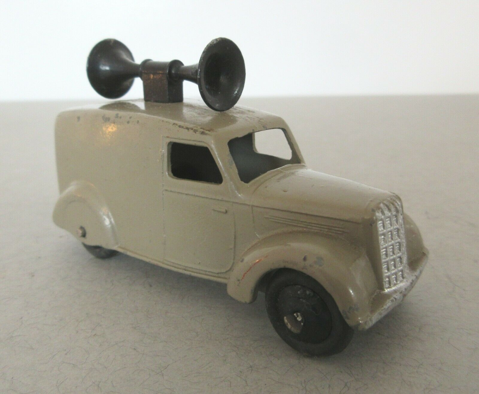 Dinky Toys Loud Speaker Van Post War Dinky Toys 34c 492  Commercial Model Grey
