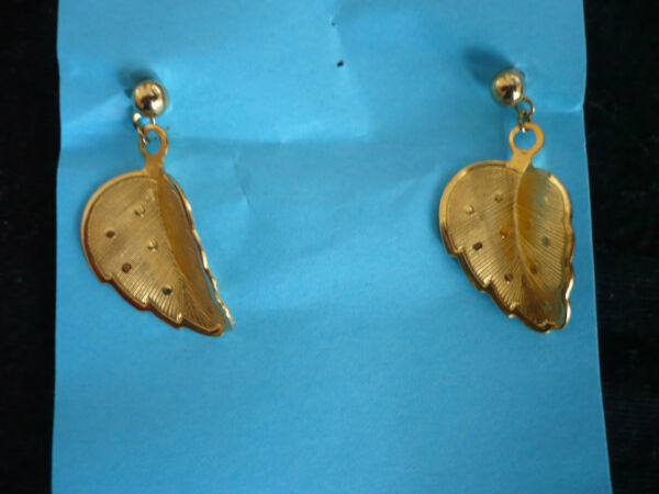 Dynamisch Ohrringe In Blattform, Goldfarben ( Paar ) Ca. 2,5x2 Cm Angenehm Im Nachgeschmack