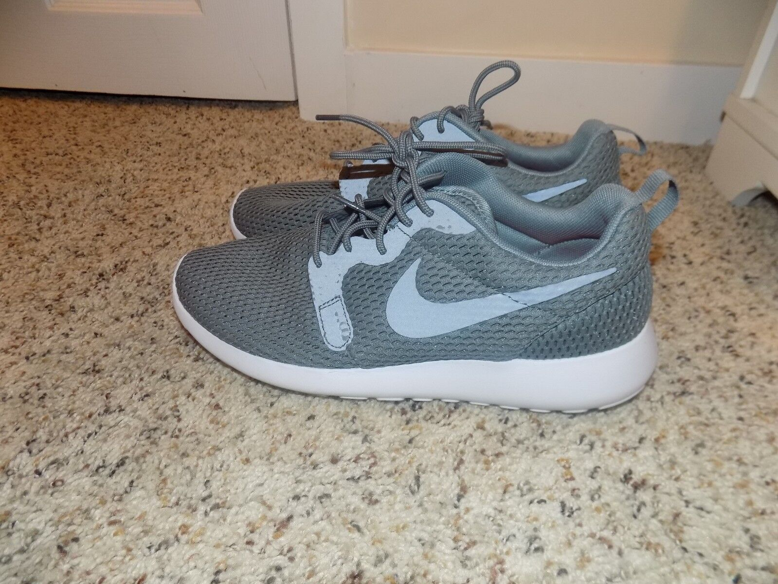 quality design e609a 41068 ... Nike Roshe One Hyperfuse Cool Gray Gray Gray and White Men s Sneakers  in Size 7- ...