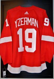 Steve-Yzerman-Detroit-Red-Wings-Adidas-Home-NHL-Hockey-Jersey-Size-52