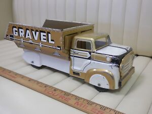 1950s-MARX-Sand-and-Gravel-Dump-Truck-Pressed-Steel-Lithographed-Toy