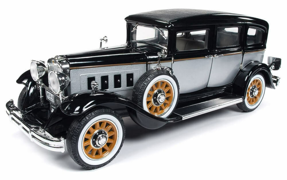 Auto World 1 18 1931 Peerless Master 8 Sedan Die-Cast Car AW252