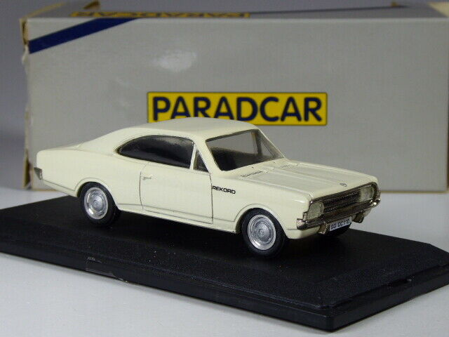 (KI-05-20) Paradcar France Opel Rekord C Coupe 1966 White in 1 43 in Boxed