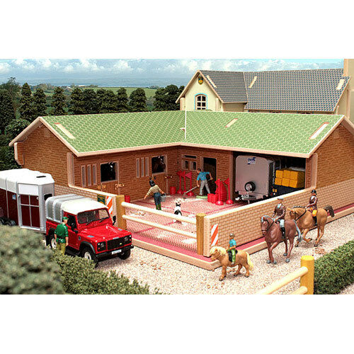 BRUSHWOOD BT8300 The Stable Yard - 1 32 Farm Toys
