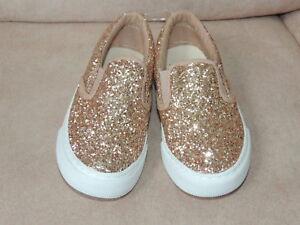 Youth Girls Shoe Size 4 GAP KIDS Rose