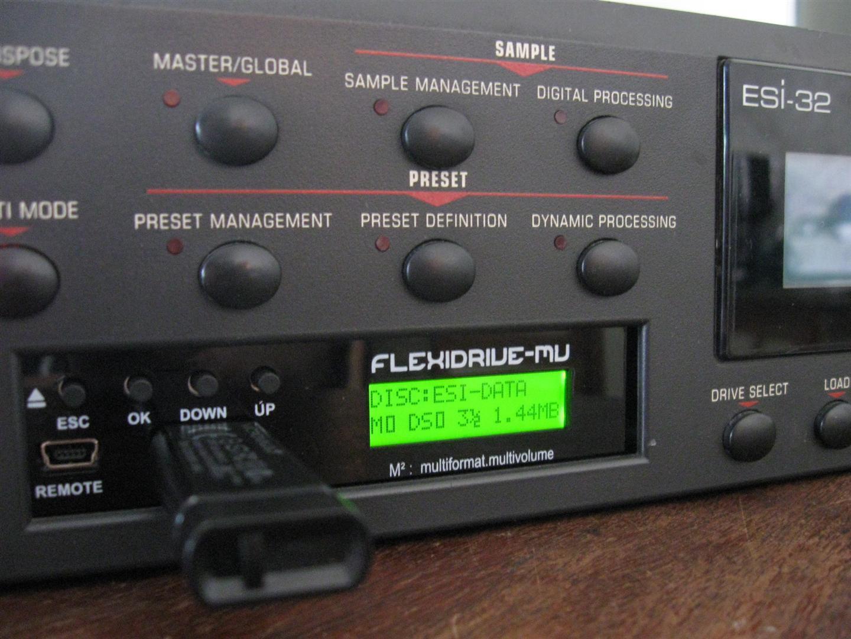 FlexiDrive Floppy Emulator for E-mu Emu ESI32 Floppy to SD USB