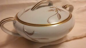 Noritake-Sugar-bowl-w-lid-creamer-set-Noritake-China-5693-Made-In-Japan-Vintage